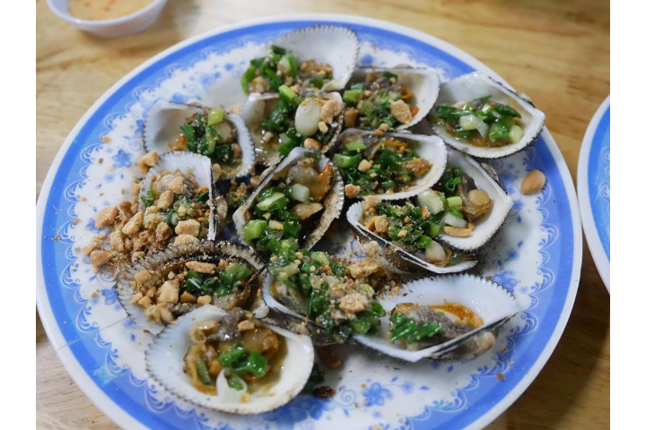Oyster Scallop with Onion
