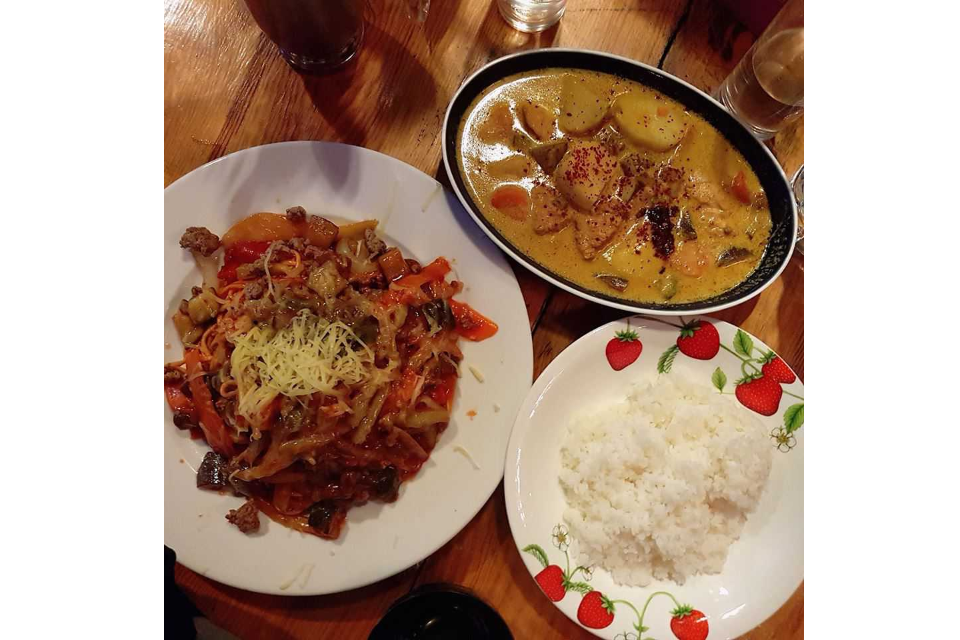 Chicken Curry, Fried Beef