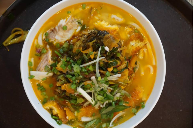 Fried snakehead fish cake (Special bowl)