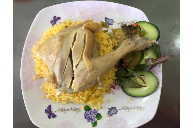Fried Rice with Boiled Chicken Drumsticks