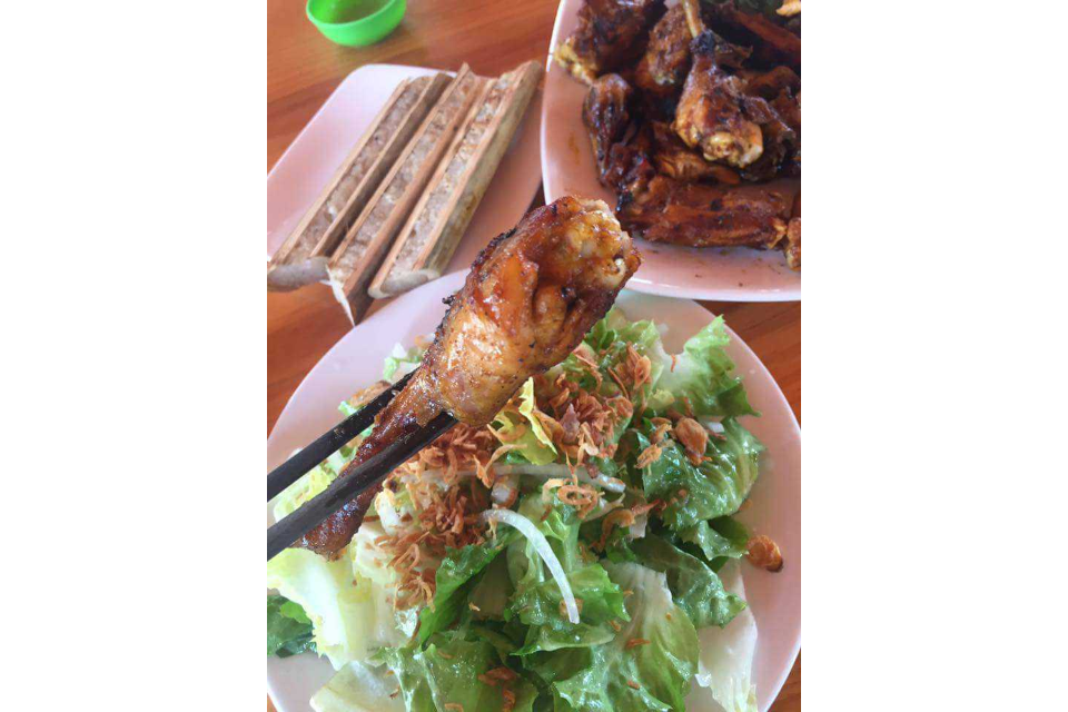 Grilled Chicken, Com Lam, Salad