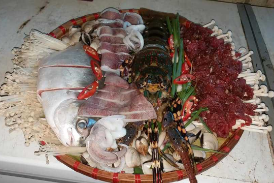 Seafood Hotpot (Special)