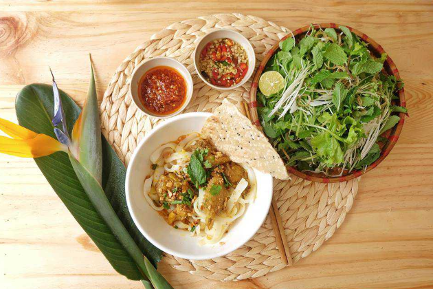 Quang noodle Chicken