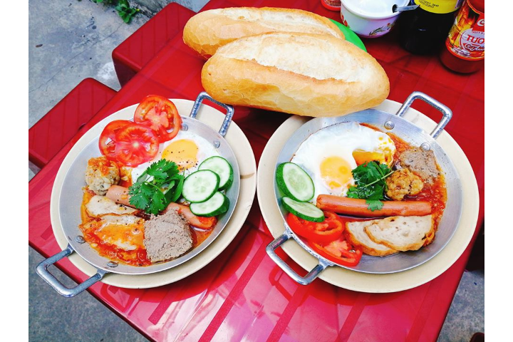 Pan Bread (Scoop, Egg, Sausage)