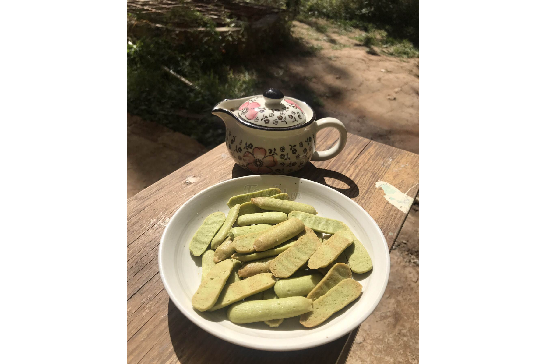 Matcha Biscuits And Tea
