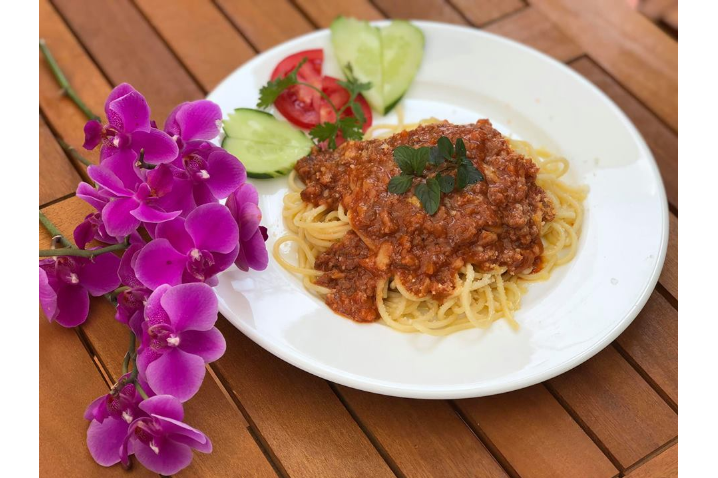 Spaghetti with minced beef sauce