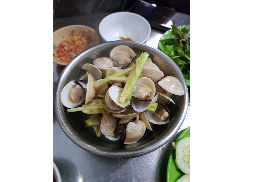 Steamed Clam with Lemongrass